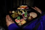 Jakiej jakości catering dla firm Kraków nam proponuje? Catering weselny Kraków posiada przygotowany na odpowiednim poziomie